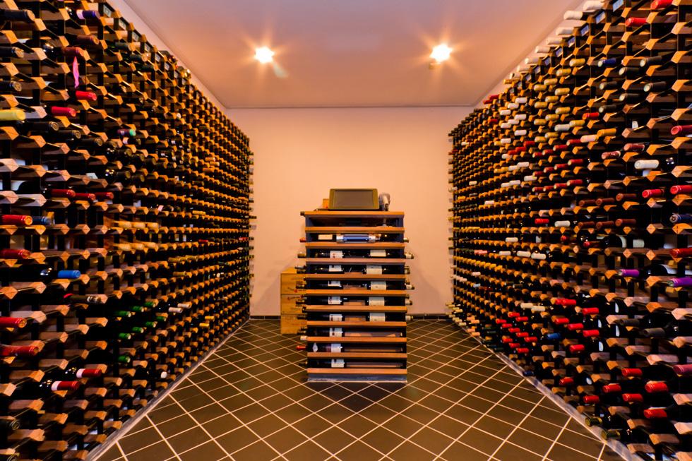 Provinum wijnkelders bv vinum cellarium for Wijnkelder ontwerp